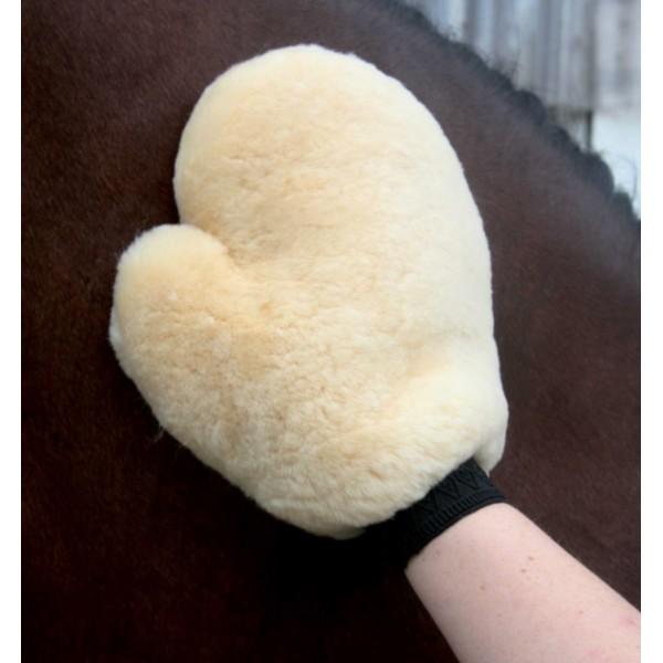 Варежка для чистки лошади натуральный мех
