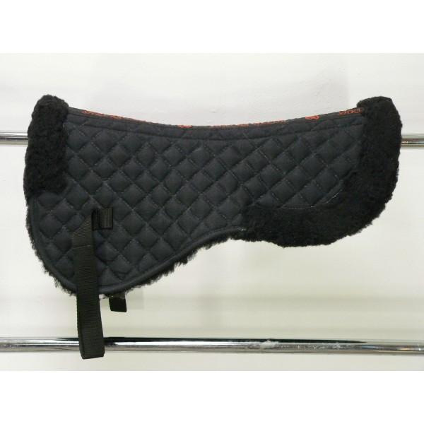 Натуральный мех под седло с вентиляционными отверстиями черный